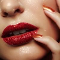 Comment allez-vous passer le nouvel an cette année ? #misscop #nouvelan #newyear #makeup #maquillage #lèvres #lips #beauty #makeupaddict #instamakeup #beauté