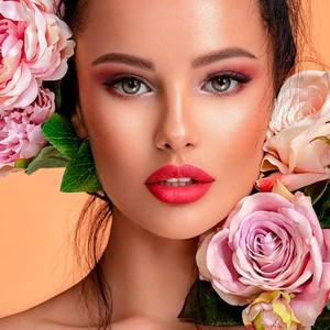 La palette passionnée : des couleurs chaudes ultra-pigmentées, des textures poudrées allant du mat au satiné en passant par le métallisé et l'irisé.#misscop #maquillageaddict #maquillage #makeupaddict #instabeaute #maquillages #passionmakeup #cosmetique #beauty #makeuplover #makeup #beaute #makeuptime #instamakeup