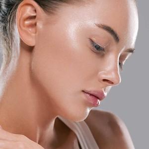 Pour une peau plus jeune et éclatante, utilisez le fond de teint Hyaluro à l'acide hyaluronique.#misscop #maquillageaddict #maquillage #makeupaddict #instabeaute #maquillages #passionmakeup #cosmetique #beauty #makeuplover #makeup #beaute #makeuptime #instamakeup