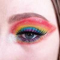 Un makeup coloré par @charlotte.aux.framboises#misscop #maquillageaddict #maquillage #makeupaddict #instabeaute #maquillages #passionmakeup #cosmetique #beauty #makeuplover #makeup #beaute #makeuptime #instamakeup